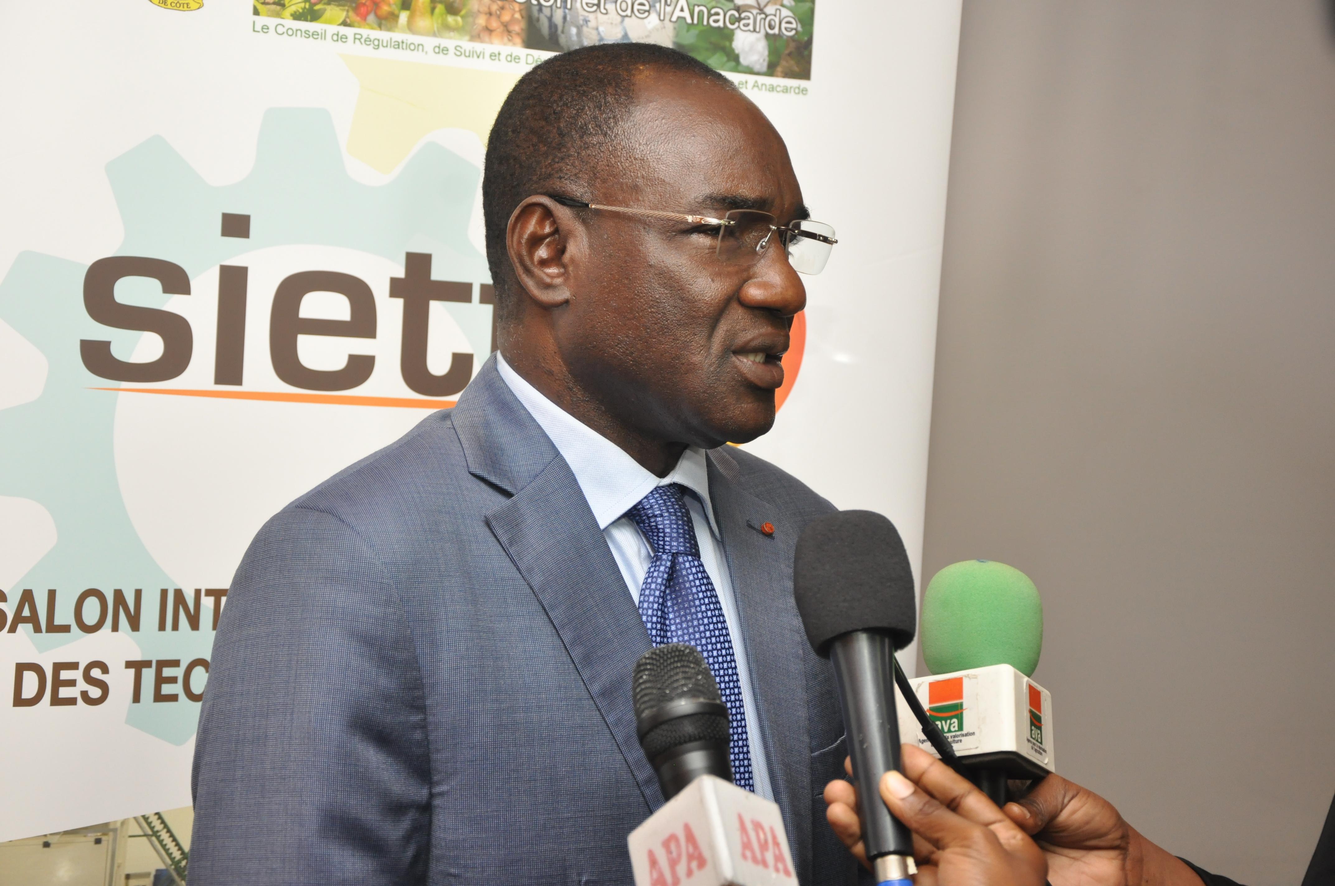 Côte d'Ivoire: lancement de la deuxième édition du Salon International des Equipements et des Technologies de Transformation de l'Anacarde